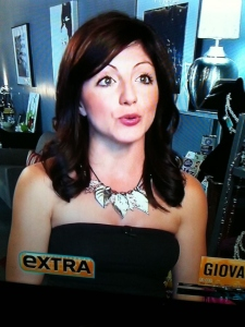 A guest spot on EXTRA! Here is the host wearing my designs and talking about them for 1.5 of precious airtime!